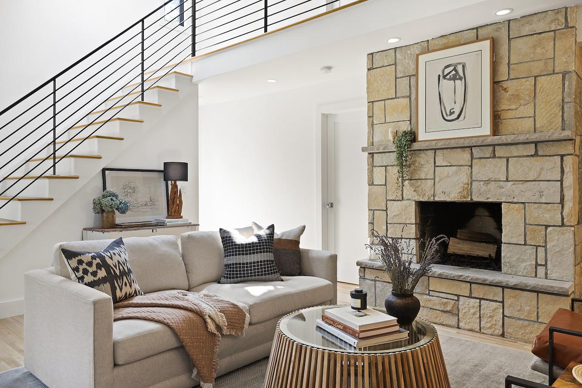 ashley-libath-design-living-room-interior-design-hamptons-ny