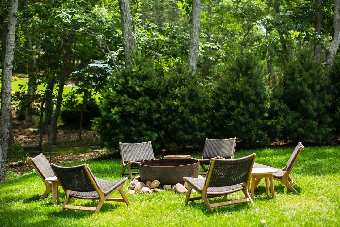 backyard-firepit-chairs-long-island-ny