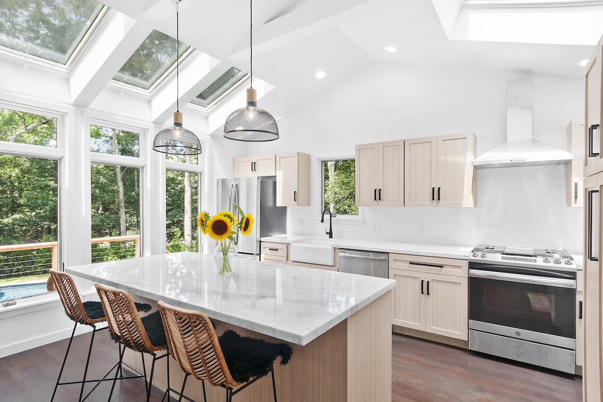 kitchen-interior-design-large-kitchen-island