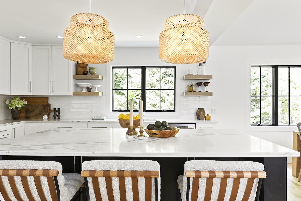 kitchen-island-marble-bar-stools