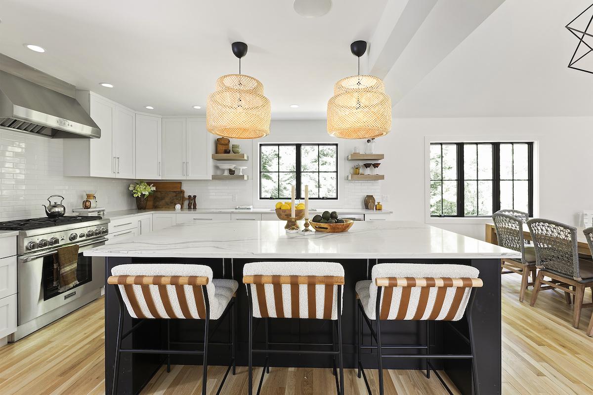 marble-kitchen-island-cushion-bar-stools